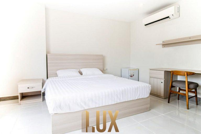 LUX-47833-4
